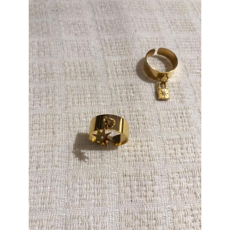Bague dorée pendentif étoile avec strass blanc, Leyabijoux.com