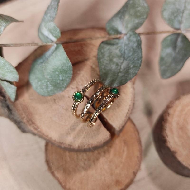 Bague dorée 3 anneaux et pierre naturelle vert, Leyabijoux.com