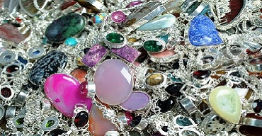 Comment choisir son bijou en acier